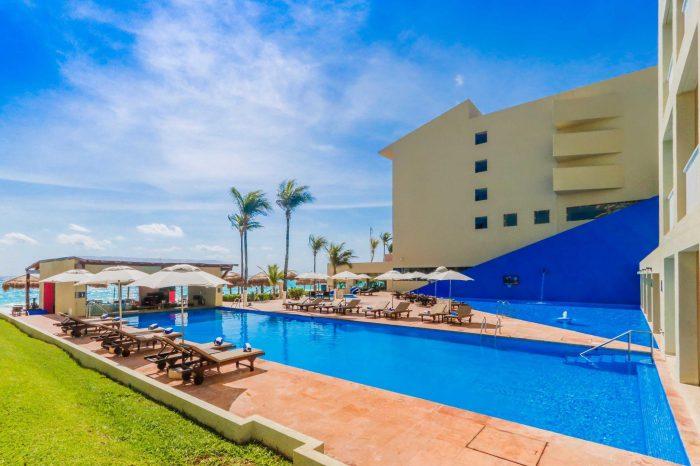 spring break destination Club Regina Cancun